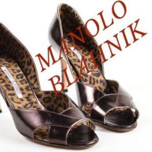 BURGUNDY METALLIC MANOLO BLAHNIK LEATHER PUMPS